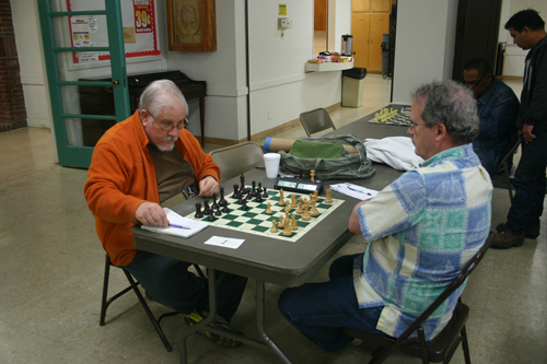 Dave Matson (left) in his draw against Craig Faber in round 3.