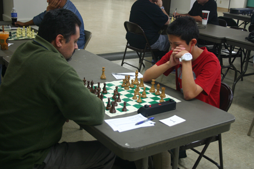 Ryan Chen (right) in his extraordinary game against Henry Castro.
